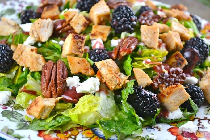 Blackberry Salad with Chicken, Goat Cheese and Candied Pecans - Stuck ...