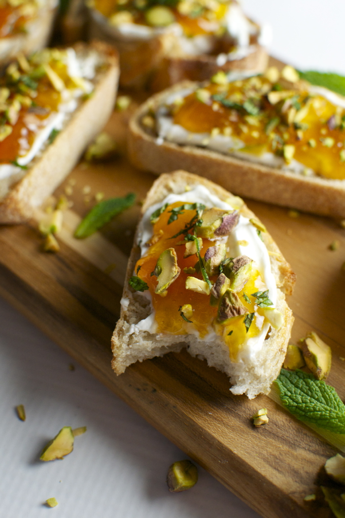 Goat Cheese and Apricot Crostini with Pistachios and Mint ...